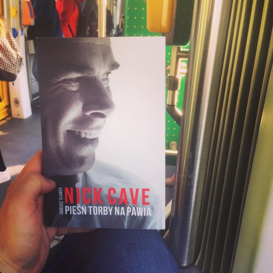 """Nick Cave """"Pieśń torby na pawia"""" - recenzja"""